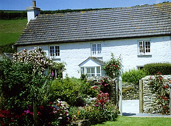 Coombe Farmhouse, Nr Looe
